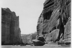 11-Canyon-De-Chelly-Arizona-ph.-Edward-Kemp-Prpoperty-of-The-Atchison-Topeka-and-Santa-Fe-Rallway-Co.