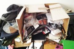 6)scatola-contenitore per locandine:varie,camera da letto