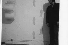 69 Impronte-mobili-in-pavimento-ed-in-parete-1969
