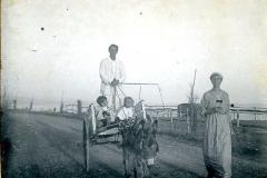 206 Olgareff e bambini sul carretto