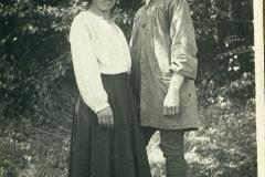 41 Attilio Selva con moglie a Villa Strohl Fern