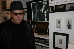 1_Kosuth-Joseph-artista-il-museo-del-louvre-2011-