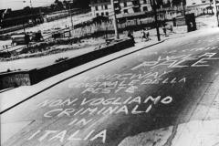 10 Firenze giugno 1952. Scritte contro la venuta del gen. Ridgwey