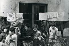 49 Agenzia Contrasto. Quartiere Sanità. Napoli. I Cristallini ( abitanti di Via dei Cristallini)