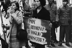 80 Roma's Press Photo. Manifestazione delle famiglie dei dispersi in Russia. 9 gennaio 1971