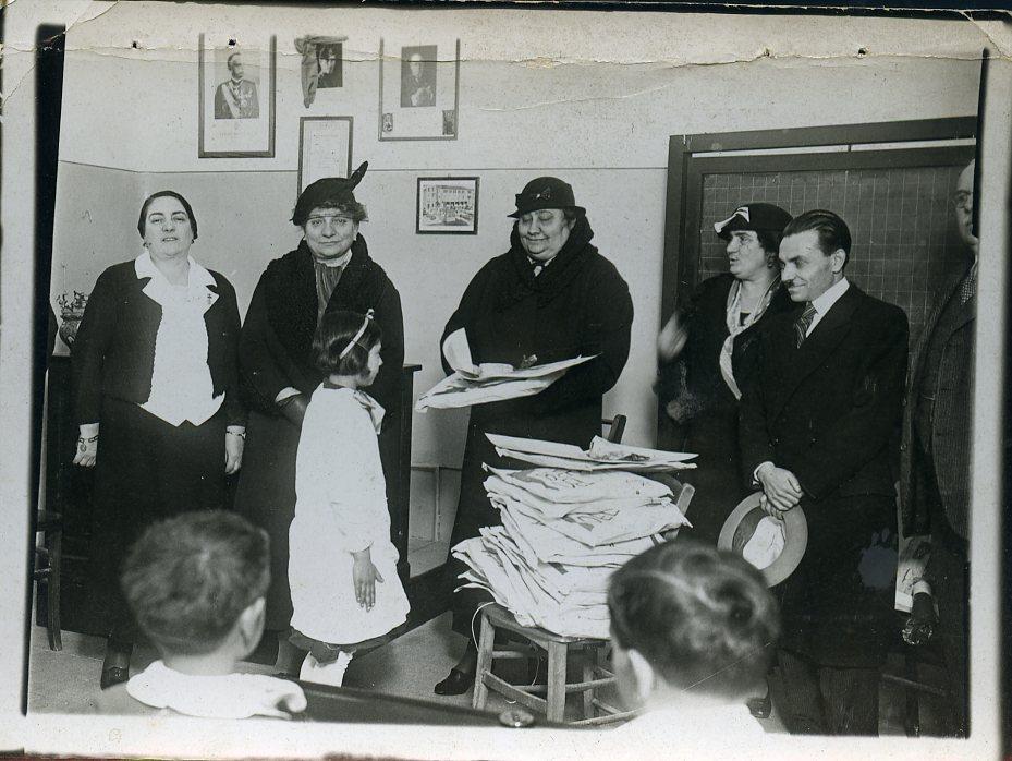 E-Mussolini-befana-fac-scuola-R-Bonghi-9-1-35