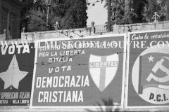 A6-812-Roma-maggio-1953Manifesti-in-lotta-ovvero-aspetti-della-propaganda-elettorale-per-le-politiche-del-7-giugno-1953