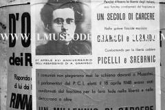A6-824.-Roma-maggio-1953Manifesti-in-lotta-ovvero-aspetti-della-propaganda-elettorale-per-le-politiche-del-7-giugno-1953jpg