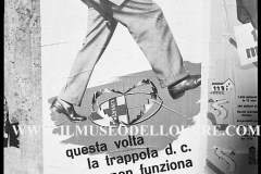 A7-1005-Roma-maggio-1953Manifesti-in-lotta-ovvero-aspetti-della-propaganda-elettorale-per-le-politiche-del-7-giugno-1953