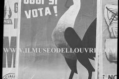 A7-1021-Roma-maggio-1953Manifesti-in-lotta-ovvero-aspetti-della-propaganda-elettorale-per-le-politiche-del-7-giugno-1953