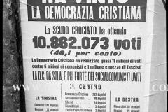 A7-1023-Roma-maggio-1953Manifesti-in-lotta-ovvero-aspetti-della-propaganda-elettorale-per-le-politiche-del-7-giugno-1953