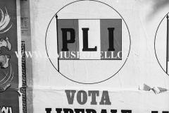 A7-831-Roma-maggio-1953Manifesti-in-lotta-ovvero-aspetti-della-propaganda-elettorale-per-le-politiche-del-7-giugno-1953