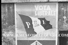 A7-968-Roma-maggio-1953Manifesti-in-lotta-ovvero-aspetti-della-propaganda-elettorale-per-le-politiche-del-7-giugno-1953