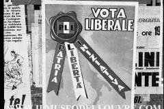 A7-972-Roma-maggio-1953Manifesti-in-lotta-ovvero-aspetti-della-propaganda-elettorale-per-le-politiche-del-7-giugno-1953