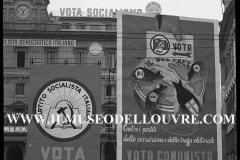 A7-974Roma-maggio-1953Manifesti-in-lotta-ovvero-aspetti-della-propaganda-elettorale-per-le-politiche-del-7-giugno-1953