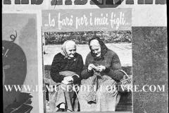 A7-987-Roma-maggio-1953Manifesti-in-lotta-ovvero-aspetti-della-propaganda-elettorale-per-le-politiche-del-7-giugno-1953