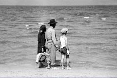 Riviera romagnola, la prima volta al mare (1959)