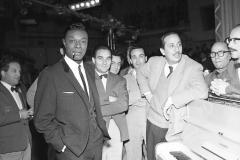 Nat King Cole con Gorni Kramer Italy's News Photos di Guglielmo Coluzzi