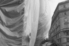 V. Biffani Christo The Wall, wrapped Roman Wall via Veneto & villa Borghese, Rome 27 gennaio 1974-54