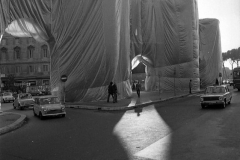V. Biffani Christo The Wall, wrapped Roman Wall via Veneto & villa Borghese, Rome 29 gennaio 1974-118jpg