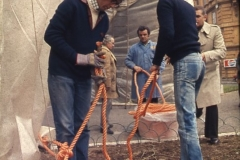 Gianni Termorshuizen . Christo The Wall, wrapped Roman Wall via Veneto & villa Borghese, Rome 6 gennaio 1974-74