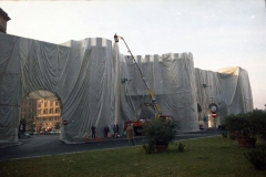 z Gianni Termorshuizen Christo The Wall, wrapped Roman Wall via Veneto & villa Borghese, Rome 13