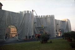 z Gianni Termorshuizen Christo The Wall, wrapped Roman Wall via Veneto & villa Borghese, Rome 13