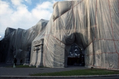z Gianni Termorshuizen Christo The Wall, wrapped Roman Wall via Veneto & villa Borghese, Rome 21
