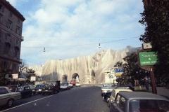 z Gianni Termorshuizen Christo The Wall, wrapped Roman Wall via Veneto & villa Borghese, Rome 4