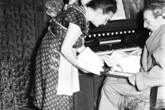 1950-Il-poeta Trilussa nella sua casa