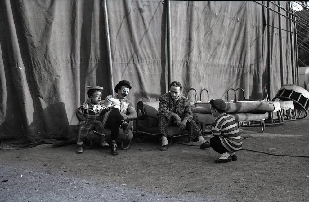 """IL CIRCO. Materiali selezionati dall'archivio fotografico di """"Paese Sera""""."""