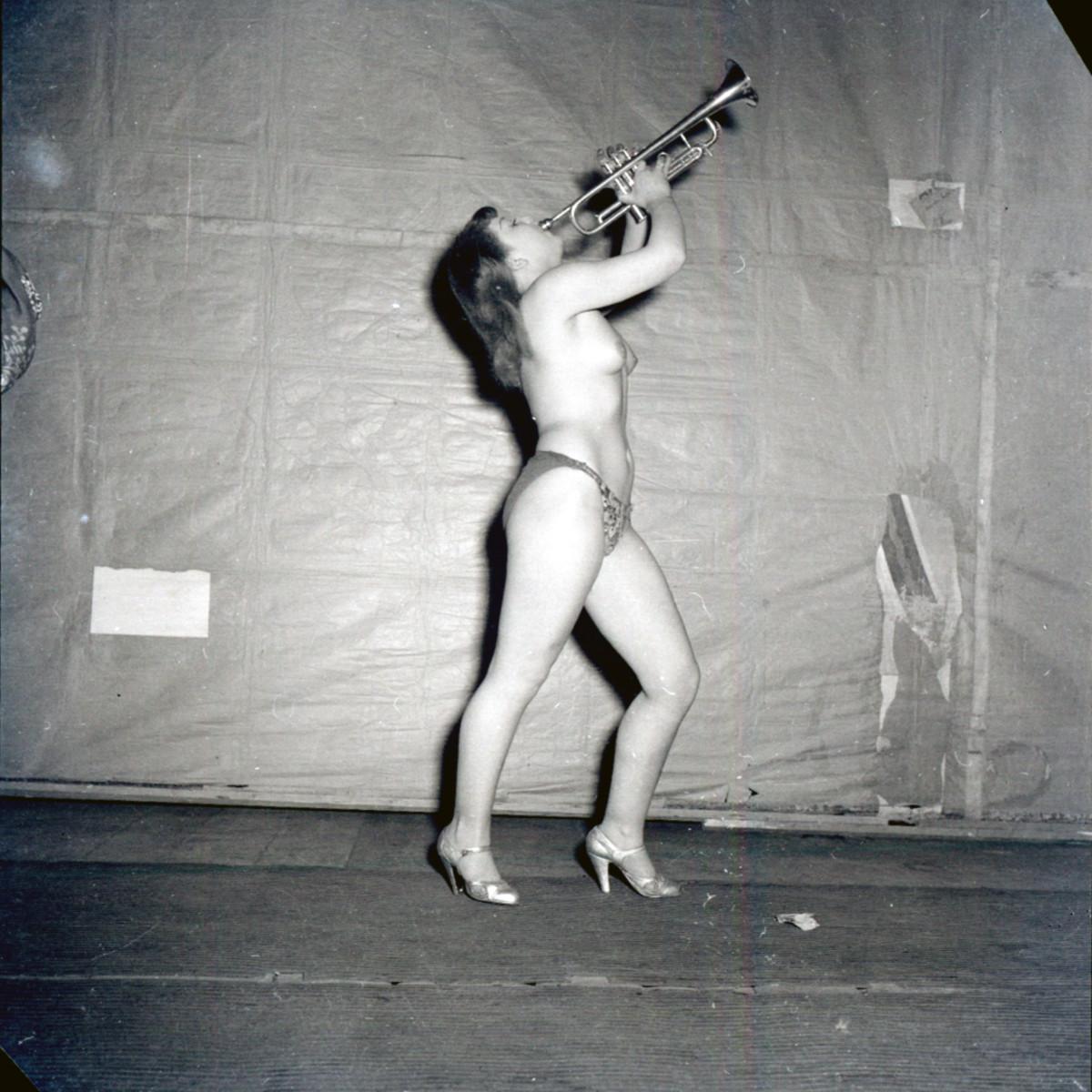 """IL VARIETA. Materiali selezionati dall'archivio fotografico di """"Paese Sera""""."""